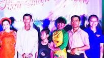 Nhóm thiện nguyện trao 64 triệu đồng cho gia đình khó khăn ở Đô Lương