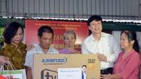 Hội Nhà báo Việt Nam thăm, tặng quà gia đình liệt sỹ nhà báo Lê Văn Luyện