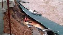 Hơn 60 ngôi nhà, trường học bị sập và tốc mái ở Quế Phong