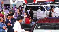 Tăng giá tính lệ phí trước bạ: Mất thêm cả trăm triệu khi mua ô tô