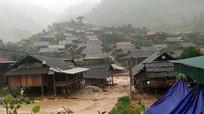 Kỳ Sơn: Hàng chục ngôi nhà và công trình bị ngập, tốc mái