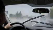 Những bộ phận trên xe ô tô cần lưu ý khi trời mưa