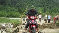Con Cuông hoãn họp hội đồng khắc phục giao thông sau lũ