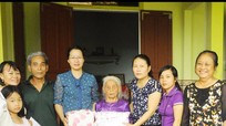 Hội phụ nữ Thanh Chương: Tặng quà Mẹ Việt Nam anh hùng
