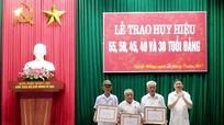 Xã Nghĩa Đồng (Tân Kỳ) trao tặng Huy hiệu Đảng cho 49 đảng viên