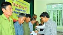 Trao quà của Thống đốc Ngân hàng nhà nước cho gia đình chính sách tại Tương Dương