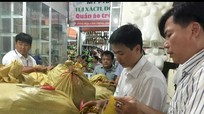 Cưỡng chế 13 hộ kinh doanh nợ đọng thuế tại chợ Ga Vinh