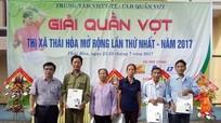 Thái Hòa: Giải quần vợt mở rộng, trao 30 suất quà cho gia đình chính sách