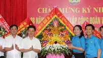 Lãnh đạo tỉnh chúc mừng Liên đoàn Lao động tỉnh nhân kỷ niệm ngày truyền thống