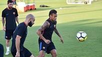 Iniesta: 'Thu về 300 triệu đôla không bằng giữ lại Neymar'