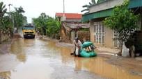 Dân khổ vì đường tỉnh lộ biến thành 'ổ voi'
