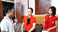 Thăm hỏi, động viên, hỗ trợ gia đình nạn nhân bị tai nạn nổ khí gas tại Lào