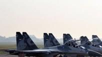 Tiêm kích Su-30 đọ tài không chiến với F-16 trên bầu trời Indonesia