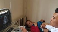 Gần 400 người dân xã nghèo Bắc Lý (Kỳ Sơn) được khám, chữa bệnh và cấp thuốc miễn phí