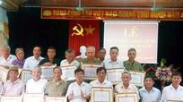 25 đảng viên Nghĩa Hưng được trao Huy hiệu 45 năm tuổi Đảng