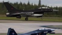 Máy bay Mỹ sơn màu giống tiêm kích tàng hình Trung Quốc để tập trận