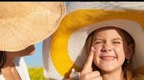 Cách bảo vệ trẻ trong những ngày nắng nóng