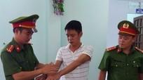 Trạm trưởng trạm quản lý rừng bị bắt do để cây quý bị chặt hạ