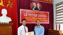 Huyện Kỳ Sơn khen thưởng tài xế mưu trí giải cứu 2 bé gái