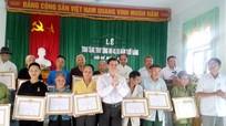Xã Châu Khê (Con Cuông) trao tặng Huy hiệu Đảng cho 21 đảng viên