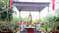 Nghệ An: Nghệ nhân ưu tú xây dựng Tượng đài Bác Hồ trong vườn nhà