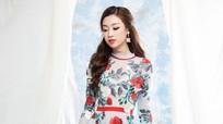 Đỗ Mỹ Linh yêu kiều với váy mùa thu