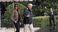 Phu nhân Tổng thống Mỹ hứng chỉ trích vì đi giày cao gót thăm vùng bão