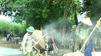 Nghĩa Đàn cấp gần 2000 tấn xi măng làm đường nông thôn mới