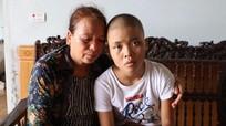 Mẹ đơn thân nuôi con gái bị ung thư tủy sống
