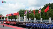 Hình ảnh lễ đón Thủ tướng Nguyễn Xuân Phúc tại thủ đô Bangkok