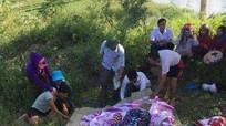 Nghệ An: Đã tìm thấy thi thể các cháu nhỏ trong vụ mẹ bầu ôm con nhảy sông tự vẫn