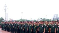 Tuổi trẻ Quân khu 4 dâng hoa, dâng hương tại Quảng trường Hồ Chí Minh