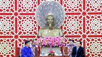 Đoàn đại biểu Đoàn thanh niên NDCM Lào chào xã giao lãnh đạo tỉnh