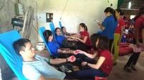 Gần 1.000 tình nguyện viên tham gia ngày hội hiến máu ở Anh Sơn
