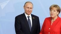 Trao đổi với ông Putin, bà Merkel hưởng ứng sáng kiến về lực lượng gìn giữ hòa bình