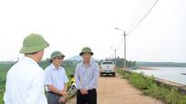 Phó Bí thư Tỉnh ủy Nguyễn Văn Thông kiểm tra công tác phòng, chống bão số 10