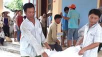 Con Cuông tiếp nhận 665 tấn gạo hỗ trợ người dân tộc thiểu số bảo vệ rừng