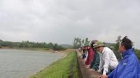 Mở tràn phụ xả lũ đập Đồn Húng ở Yên Thành
