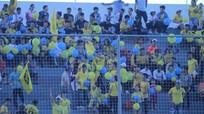 Hội cổ động viên SLNA tố bị gây khó dễ ở sân Hoà Xuân