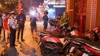 Đánh cảnh sát vì bị kiểm tra bãi giữ xe chiếm vỉa hè