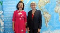 Nữ Đại sứ đầu tiên của Việt Nam tại UNESCO trình Thư ủy nhiệm