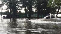 Nhiều tuyến phố Thị xã Cửa Lò ngập nặng sau mưa lớn