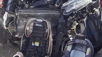 Honda CR-V bị đâm biến dạng, hai đứa trẻ bình an nhờ ngồi ghế riêng