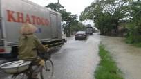 Quỳnh Lưu: Mưa to đường sá, nhà dân trắng băng nước