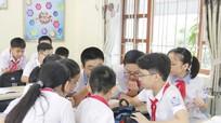 Ai chịu trách nhiệm về chương trình trường học mới VNEN ?