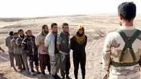 Hơn 1.000 phiến quân IS quỳ gối xin hàng