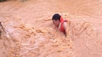 Nghệ An: Mưa lớn, 2 nạn nhân bị nước cuốn trôi