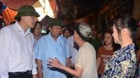 Bí thư, Chủ tịch tỉnh thăm hỏi bà con tiểu thương chợ Vinh