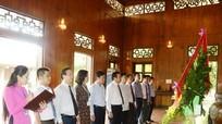 Bí thư Trung ương Đảng Nguyễn Xuân Thắng dâng hương tưởng niệm Chủ tịch Hồ Chí Minh