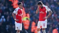 Arsenal và căn bệnh 'khôn nhà, dại chợ'